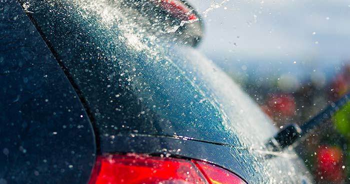 water splashing on back windshield